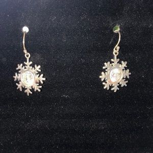 Retired Silpada Snowflake earrings